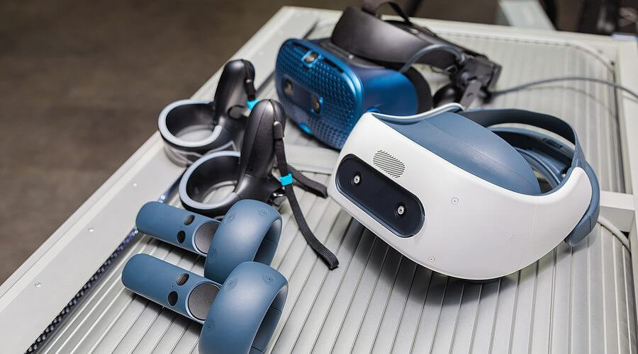 Virtual Reality Helmet VR Headset Hand Controllers